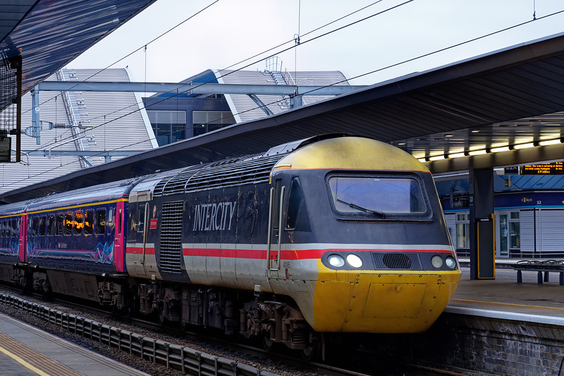 43185 at Reading with 1A89, the 15:33 Taunton - Paddington on 20th March 2019.