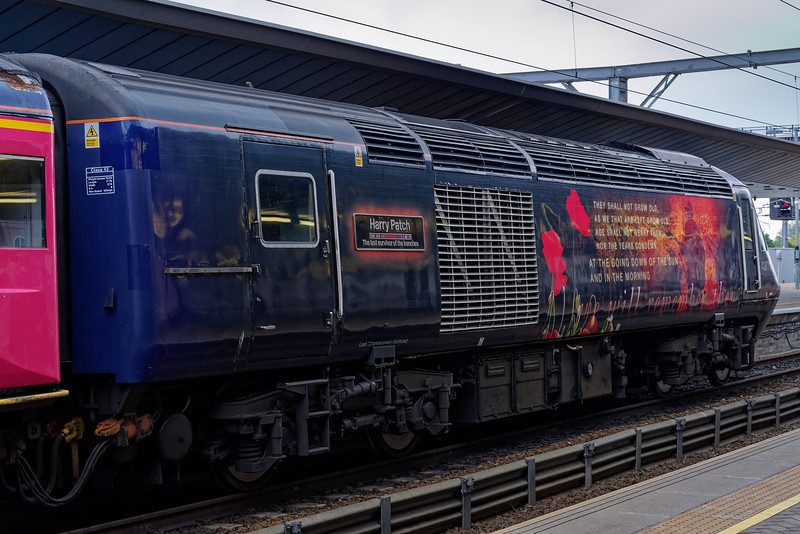 """43172 """"Harry Patch"""" waiting time at Reading with 1A10, the 07:29 Exeter St Davids - Paddington, via Bristol. 18th May 2019, the final day of GWR mainline HST services."""