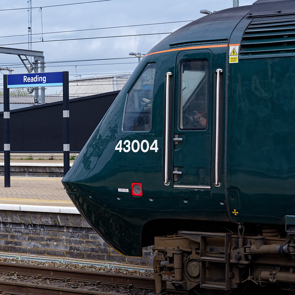 43004 stands at Reading with 1A11, the 09:30 Bristol Temple Meads - Paddington. <br /> 23rd March 2019.