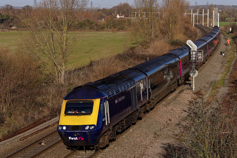 43156 / 43070 approaching Didcot North Junction with the 12:01 Oxford - Paddington. <br /> 8th January 2019.