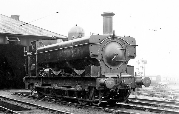 963 J  Armstrong 1076 class (originally built as a saddle tank) Pontypool 1935