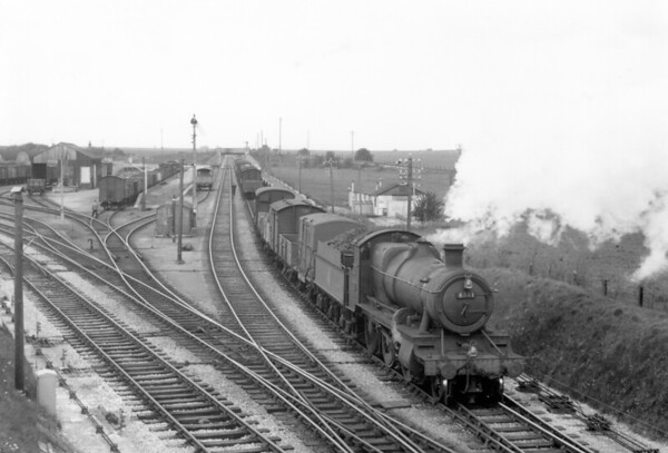 6341 shunting at Ludgershall 1955 Churchward 4300 class