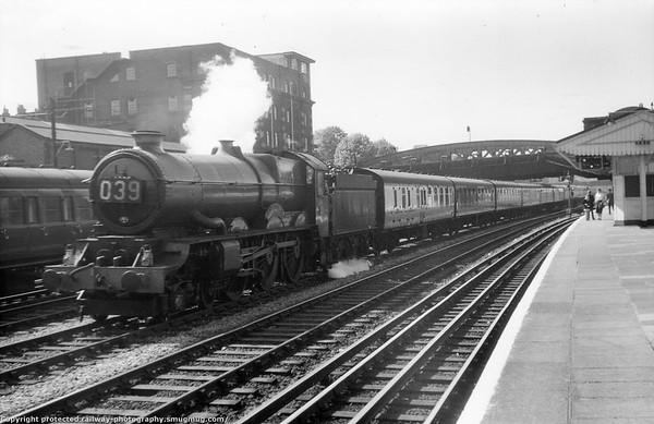 6020 King Henry IV passing Royal Oak 3rd September 1959