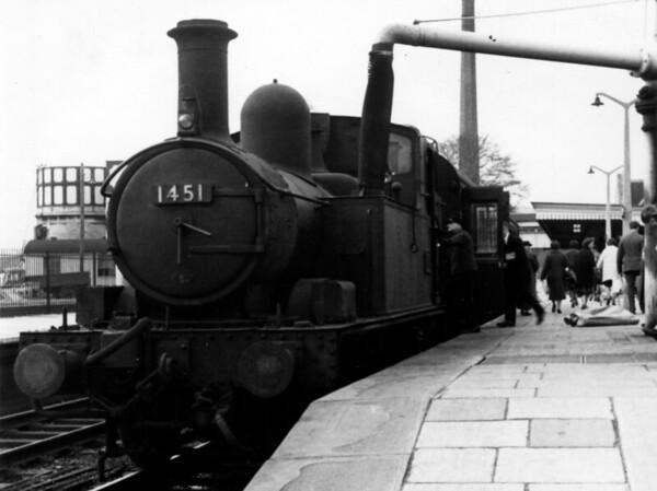 1451 Stroud 14th April 1964 Collett 1400 class