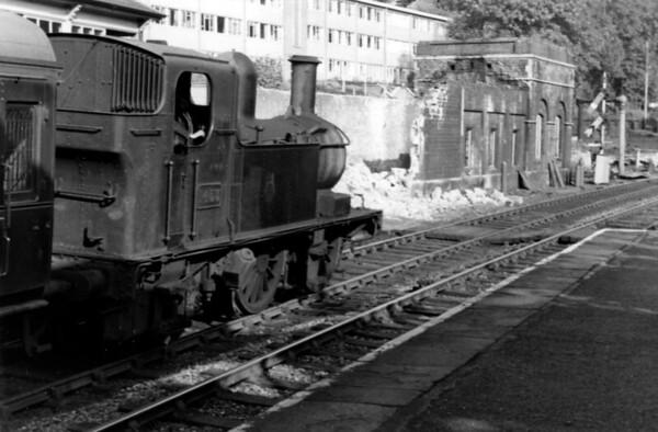 1453 at Brimscombe Collett 1400 class