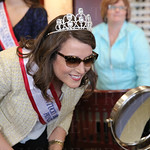 Princess Sophie Knight used a mirror to determine if she liked her selected pair of sunglasses.