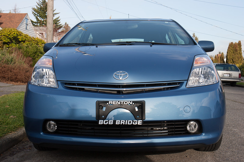Time to welcome a new member to the family: a 2008 Toyota Prius.
