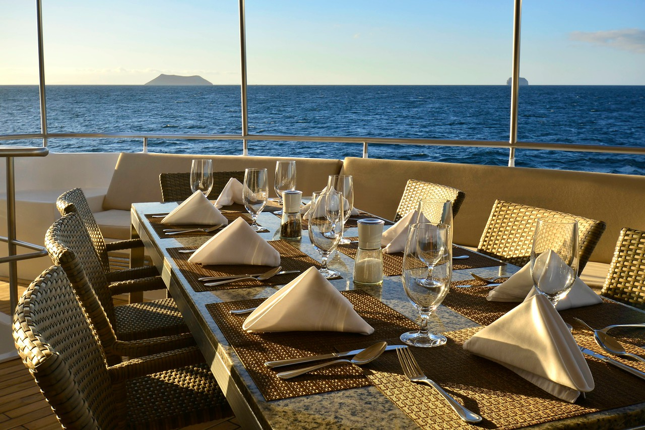 Celebrity Cruises / Xploration Yacht / Al Fresco / 8655