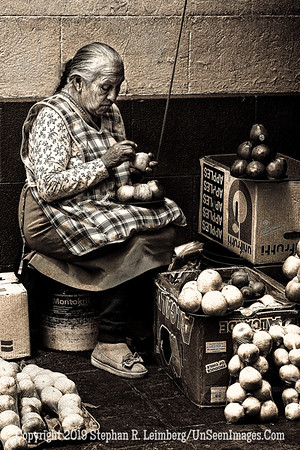 Apple Lady B&W Quito Copyright 2020 Steve Leimberg UnSeenImages Com _DSC5113