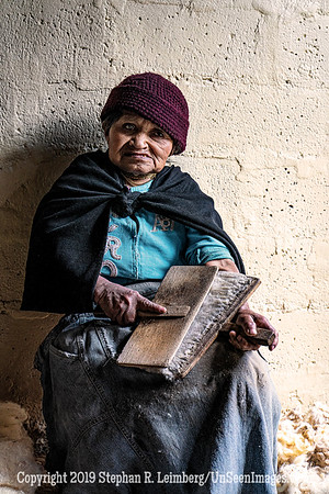 Scraping Wool for Hats Village Near Quito Copyright 2020 Steve Leimberg UnSeenImages Com _DSC0311