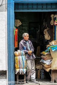 Quito Shopkeeper Copyright 2020 Steve Leimberg UnSeenImages Com _DSC5150