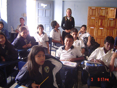 English class at Colegio Nacional Galapagos.