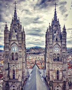 Basilico del Voto Nacional - Quito