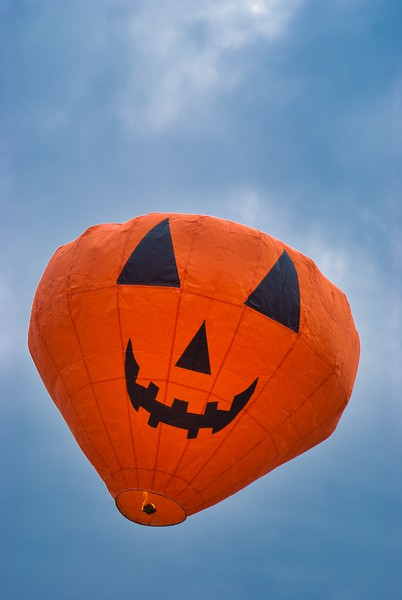 Flying halloween pumpkin