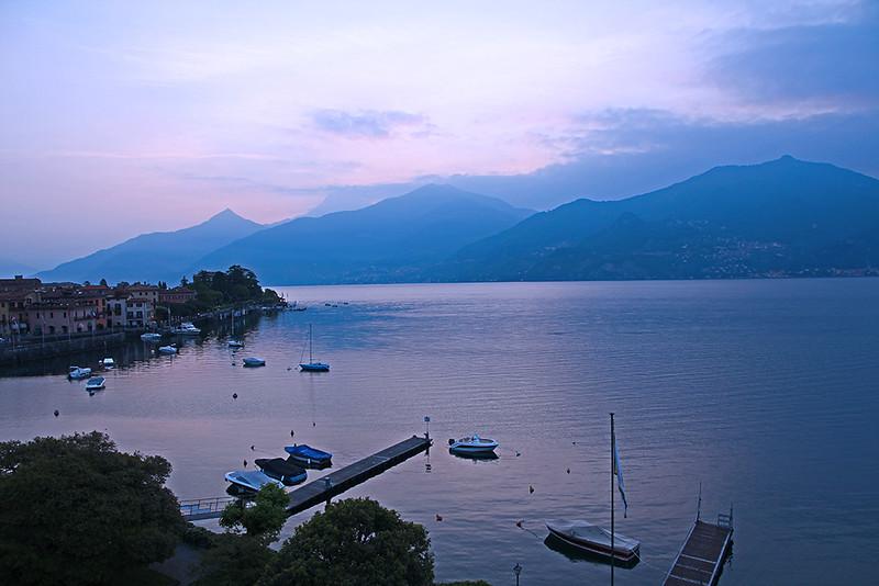 Manhã no Lago Como