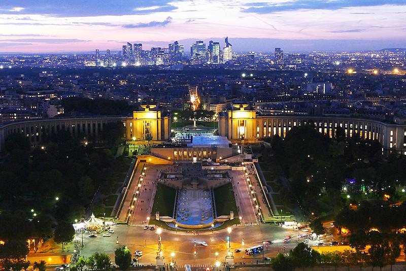 Cena Noturna de Paris