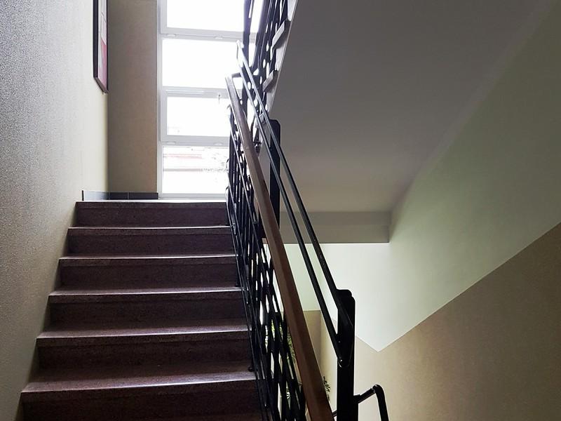 Klatka schodowa, wejście na I piętro