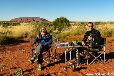 Morgenessen am Uluru