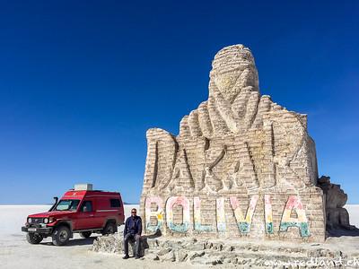 Dakar Monument auf dem Salar
