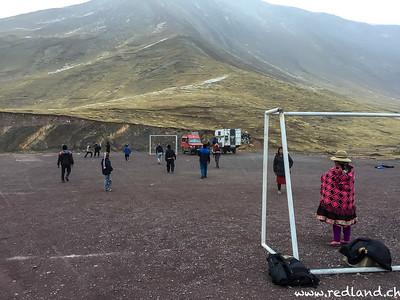 Fussballspiel auf 4450 M.ü.M.
