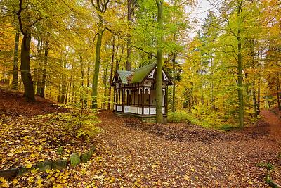 Karlovy Vary a okolí, NPR Soos, Zámek Kynžvart a Park Boheminium