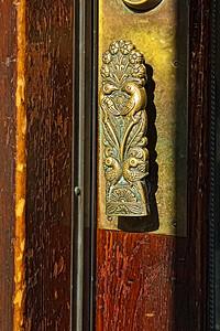 Poignées de portes stylisées.