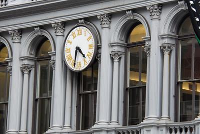 Horloge extérieure.