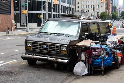 Camionnette et marchandise.