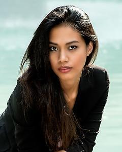 Asiatique au joli regard.