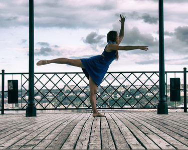Danseuse dans un kiosque à Québec.