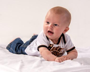 Portrait d'un jeune bébé.