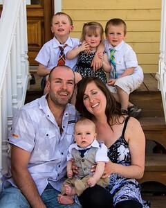 Famille de quatre enfants.