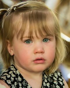 Jeune fillette blonde.