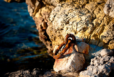 Rust and rock in Cap d'Antines