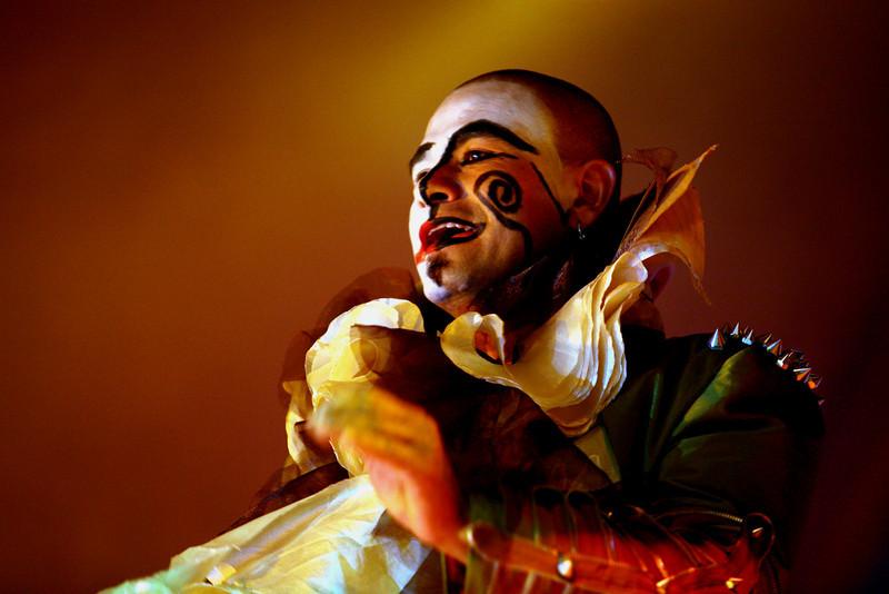 ZAICO CIRCO  Un cirque plein de magie, d'imagination, de poésie et de surprises, une troupe théâtrale et musicale dont le talent vous portent vers des émotions rares. La magie travaille et la mémoire du spectacle reste gravée au plus profond de votre être.