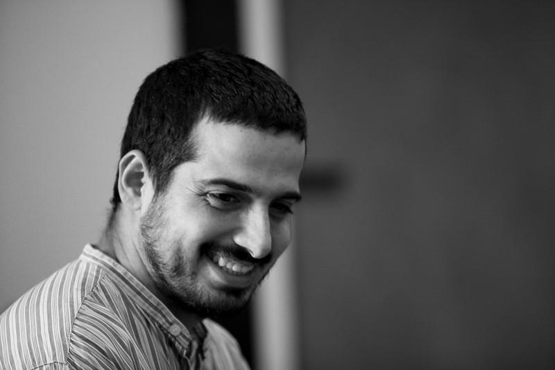 Yonatan AVISHAI : musicien ( piano, flûte et cailloux )
