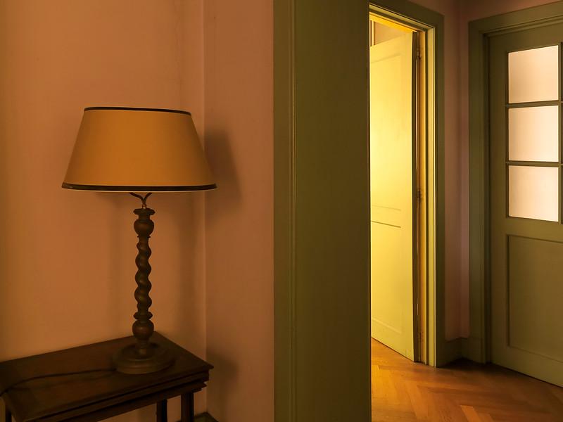 """<p><font size=""""4"""">Lumière partagée </font></p> <p><font size=""""1"""">Divided Light</font></p>"""