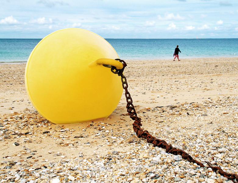 """<p><font size=""""4"""">Le sauvetage de la bouée </font></p> <p><font size=""""1"""">The rescue of the buoy</font></p>"""