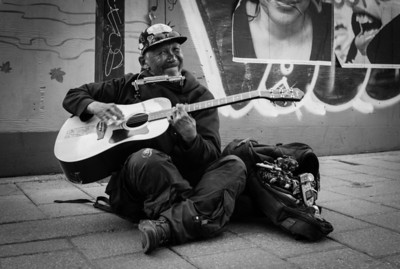 Montreal, Black and white, Musician, China Town, Guitar