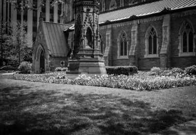 Montreal, Black and white, Church