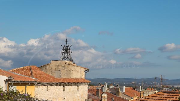 au-dessus des toits de Hyères | above the roofs of Hyères