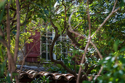 la fenêtre cachée | the hidden window