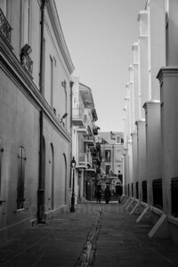 Narrow lane in New Orleans
