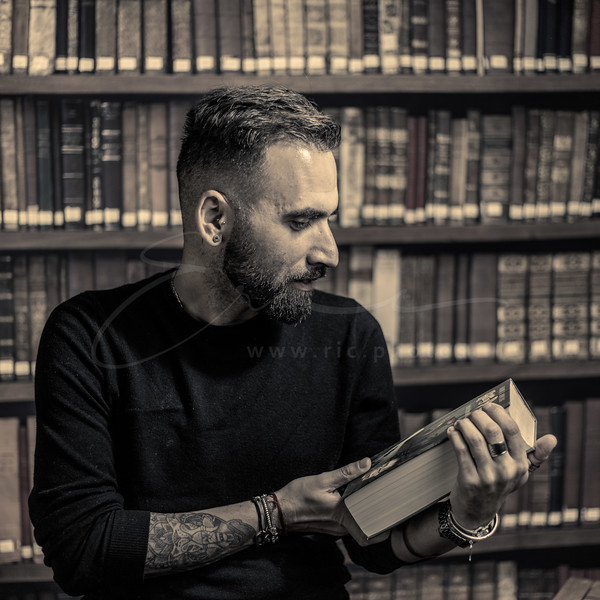 Robert - le ver de bibliothèque