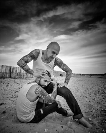 deux mecs à la plage - two guys on the beach