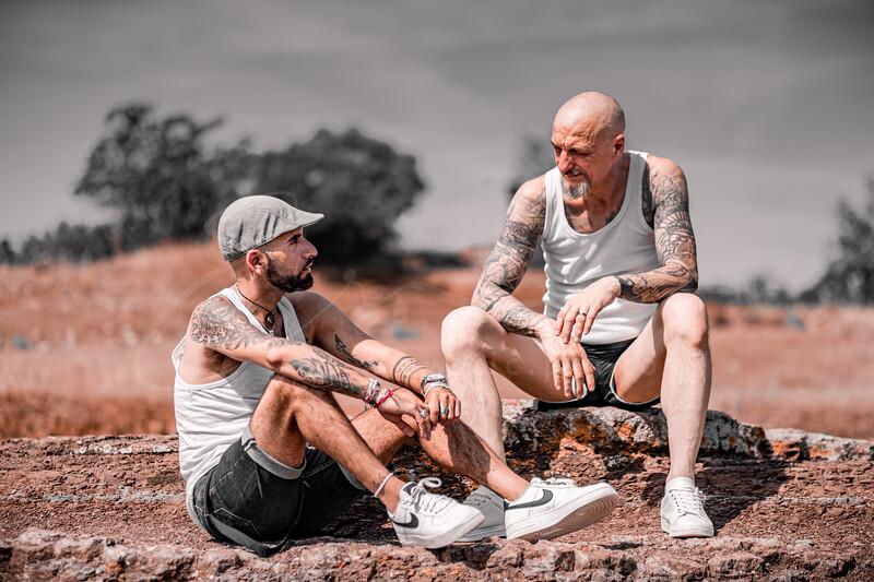 deux mecs au bord du lac - two guys at the lake