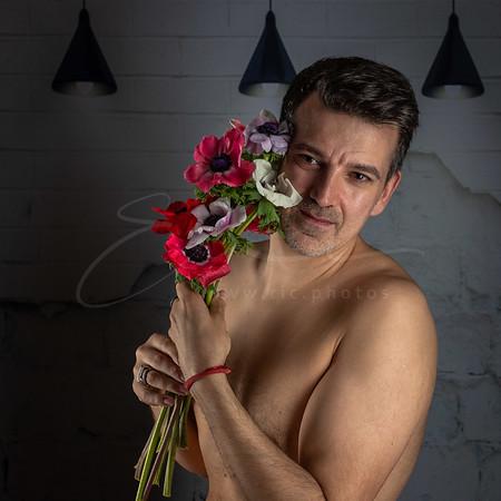 l'homme aux fleurs