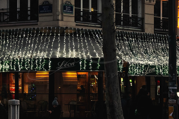 "l'illumination de Noël du restaurant ""Léon de Bruxelles"""
