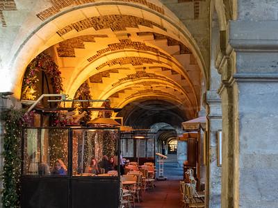 les arcades chauffées à la place des Vosges | heated arcades