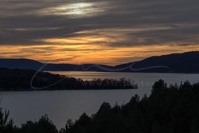 sunset at lake Sainte-Croix   le coucher du soleil au Lac de Sainte-Croix